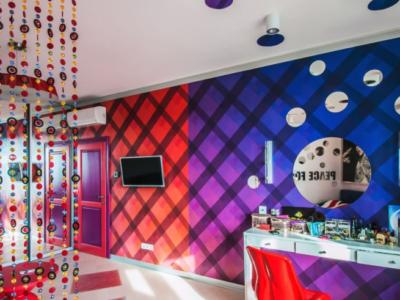 Дизайн-проект интерьера комнаты в стиле поп-арт